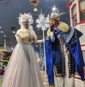 Ice queen and snow king on stilts Fantasy farms 2017