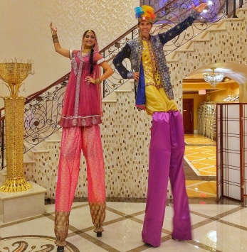 Hala on stilts bollywood Diwali stiltwalkers Toronto Mississauga Brampton south-Asian entertainment 2017