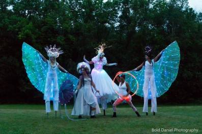 Mystika Circus and LED Crystal Queen on stilts Eclipse Festival Canada 2017 Hala stiltwalker entertainment