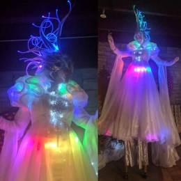 Hala on Stilts LED Crystal Queen stilt-walker winter festival of lights Niagara 2017