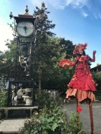Autumn leave stilts fall stilt-walker costume Elora 2019